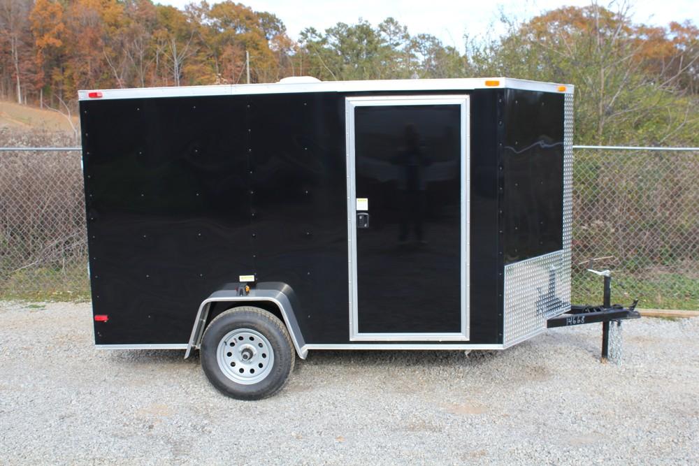 Single Axle Trailer Specs : A black enclosed trailer for sale