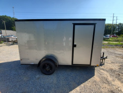 03_blacked_out_silver_enclosed_trailer.jpg