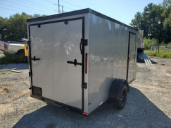 04_blacked_out_silver_enclosed_trailer.jpg