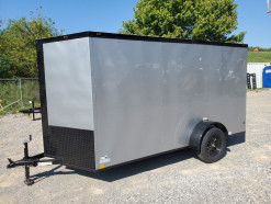 08_blacked_out_silver_enclosed_trailer.jpg
